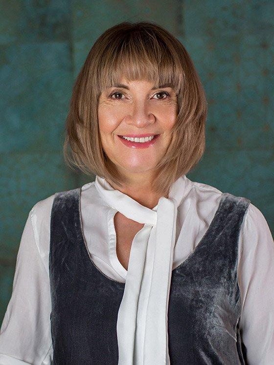 Elena Verboonen-Deuster. Empresa de traducció
